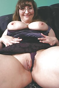 Mature bitchs nude